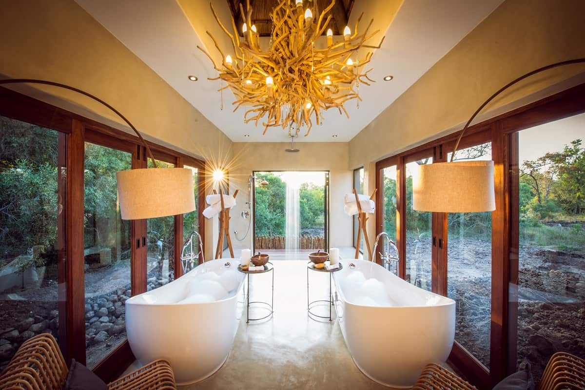 Bush-Lodge-Luxury-Villa-Bathroom-LR