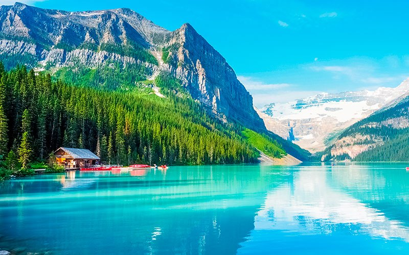 canada-lago-louise-banff-national-park-601048877